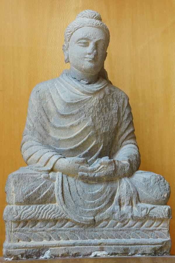Le kesa, vêtement du Bouddha, transmis à travers les générations