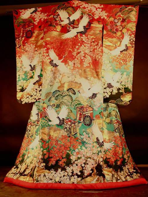 Le kimono, vêtement ou objet d'art ?