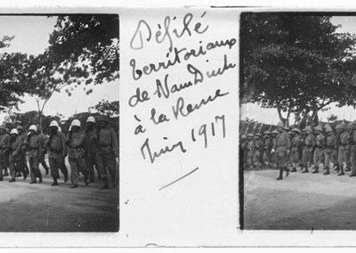 Défilé des territoriaux de Nam Dinh à la [...], juin 1917