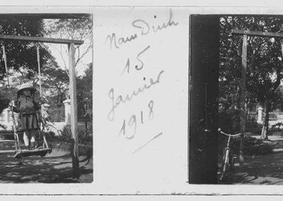 Fillette sur une balançoire à Nan Dinh, 15 janvier 1918