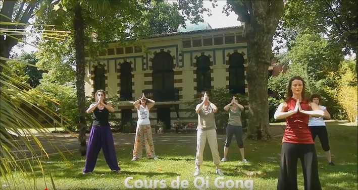 Le corps et l'esprit : cours de Qi Gong